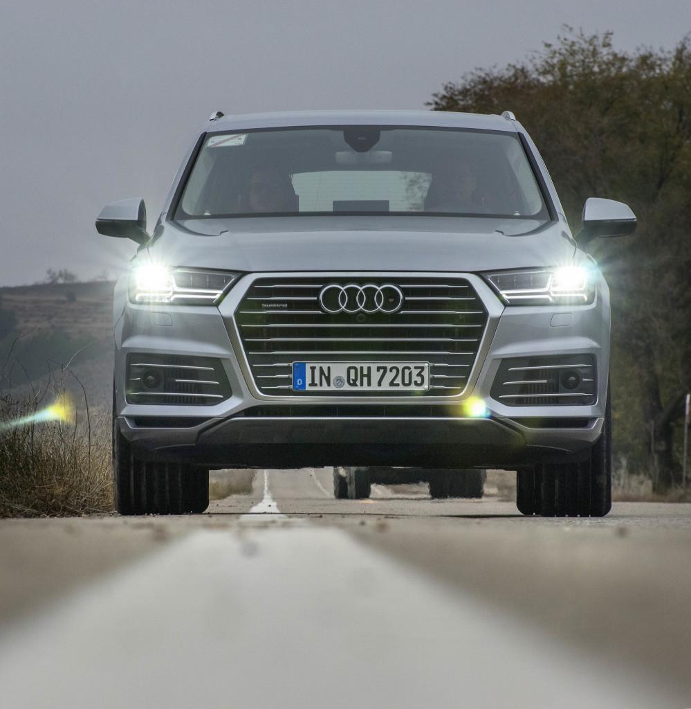 smSN Audi Q7 e-tron 4,2