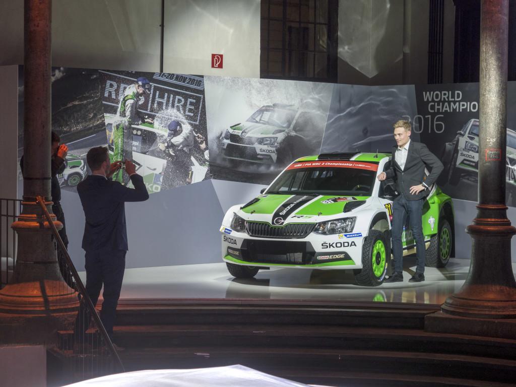 Pontus Tidemand är fabriksförare i rally för Skoda och han har placerat sig bra under förra året då han blev tvåa i sin klass i svenska rallyt med sin Skoda.