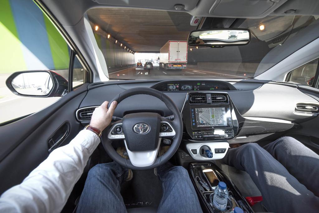 wSN Toyota Prius laddhybrid 3 170221