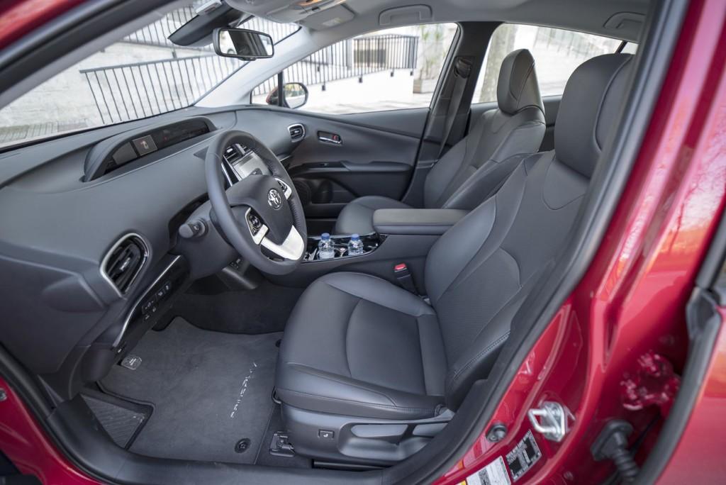 wSN Toyota Prius laddhybrid 5 170221
