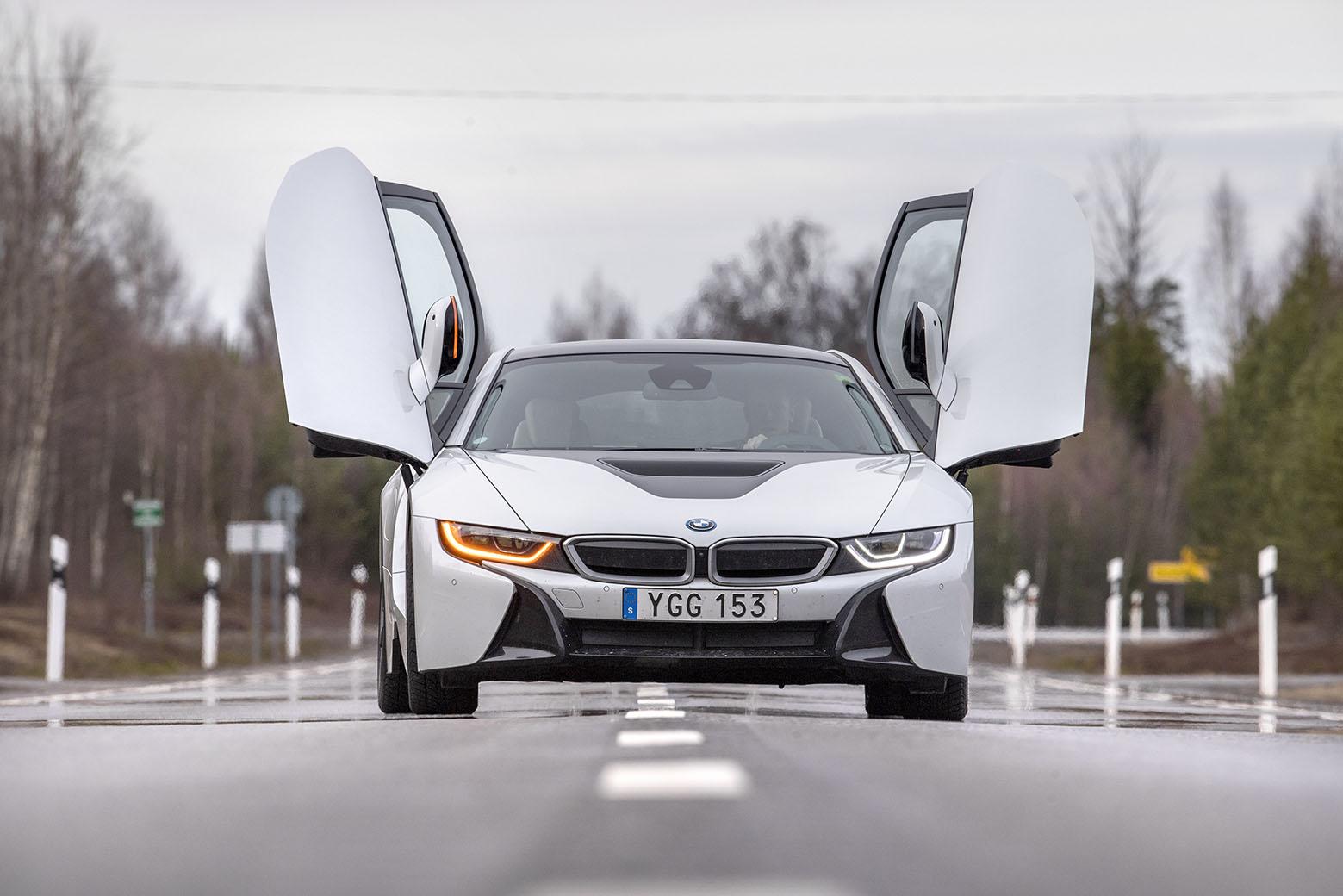 smSN BMW i8 5 170314